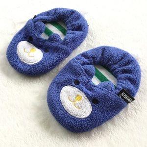 4/25$ 🦋 Bonds fleece blue cat baby slippers